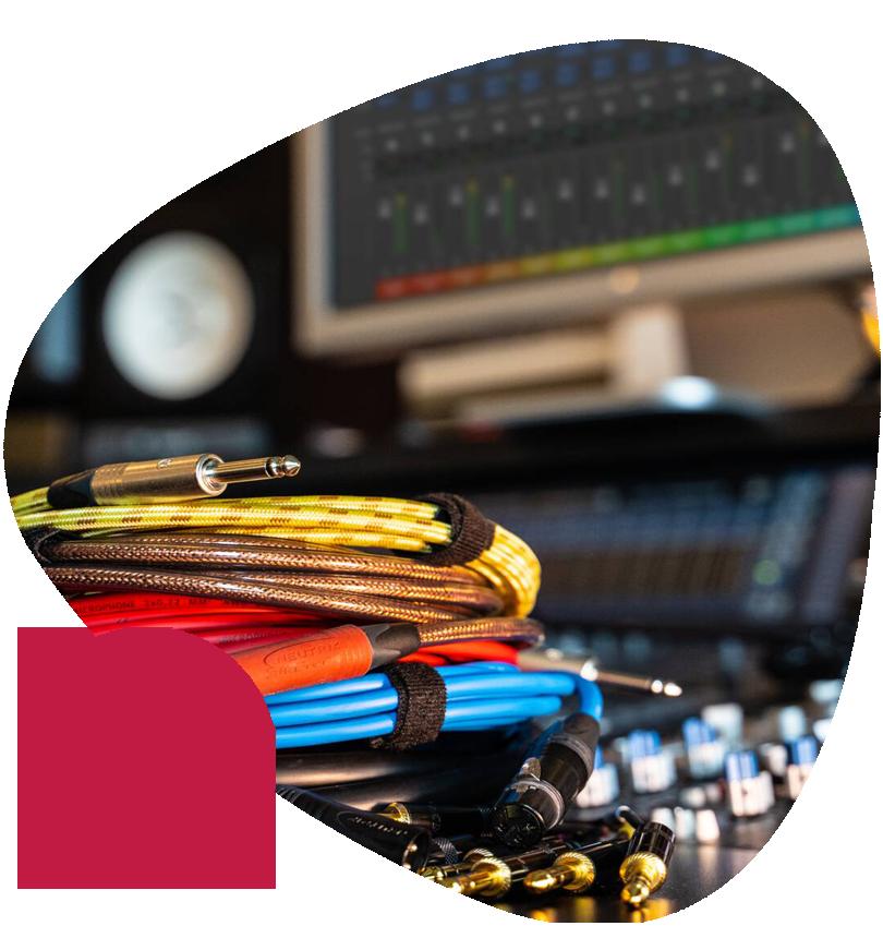 https://www.emiratesnet.com/wp-content/uploads/2020/04/Audio-Video-Integration.png